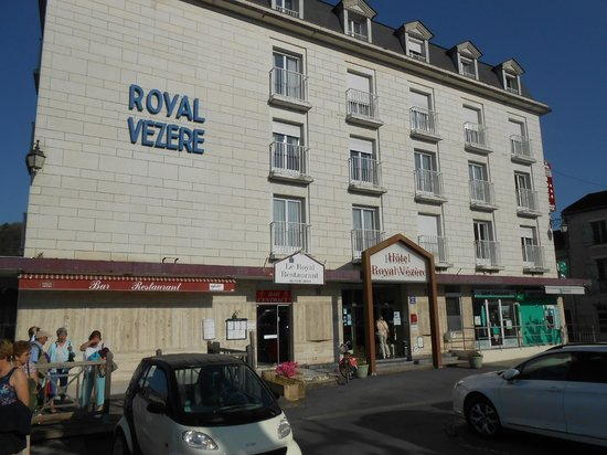 Royal Vézère : Outside of the hotel