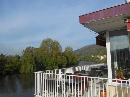 Royal Vézère : Terrace overlooking the river