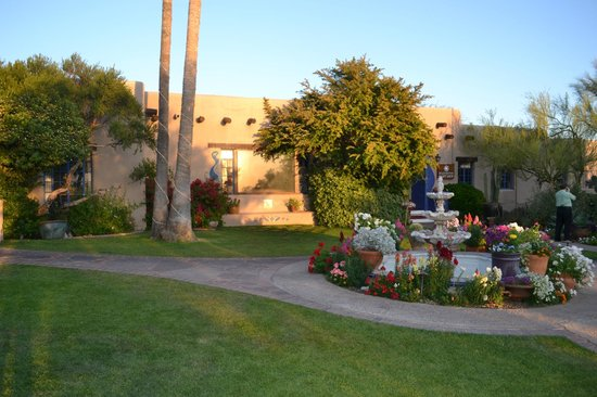 Hacienda Del Sol Guest Ranch Resort : the garden