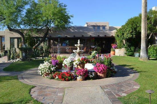 Hacienda Del Sol Guest Ranch Resort: the restaurant