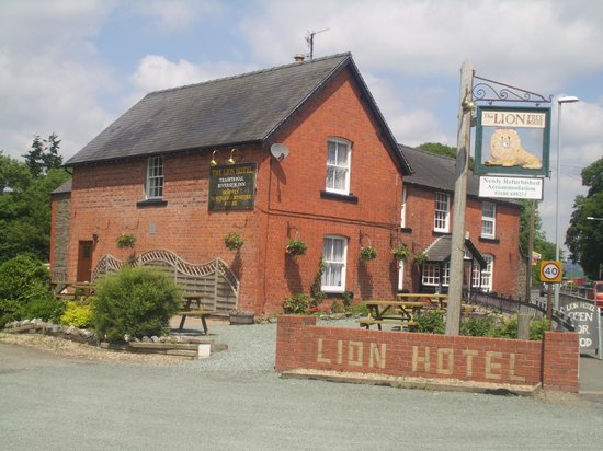 Lion Hotel Llandinam: The newly refurbished Lion Hotel