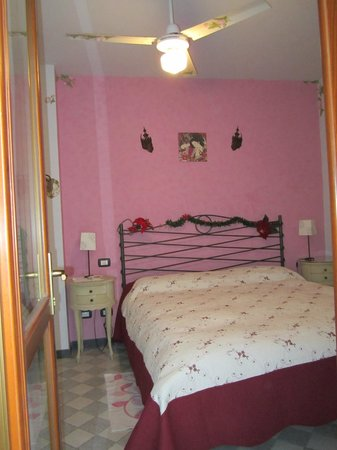 La Casa di Ketty : camera rosa
