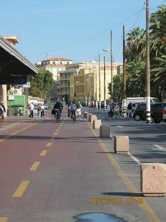 La Casa di Ketty : tratto centro Sanremo della pista ciclabile
