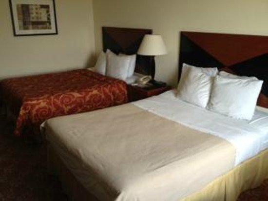 Sleep Inn & Suites: Two beds