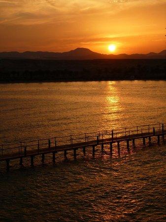 """Jaz Samaya Resort : Sonnenuntergang vom der """"Sunset area"""""""