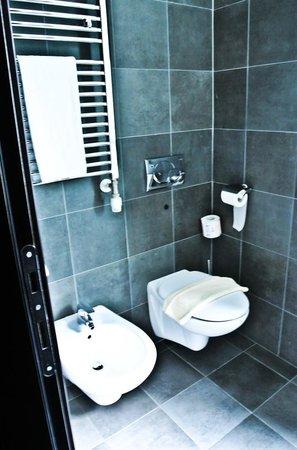 Hotel Five: sanitari