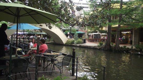 Drury Inn & Suites San Antonio Airport: El River Walk