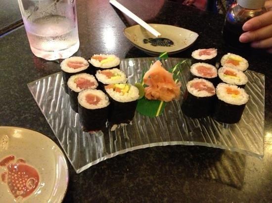 Matsuri: salmon and tuna sushi