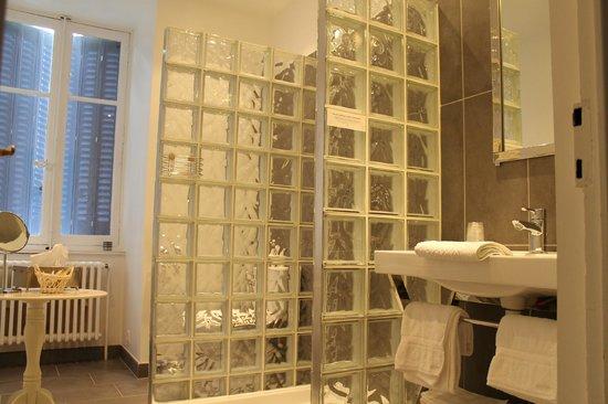 La Desirade: salle de bain