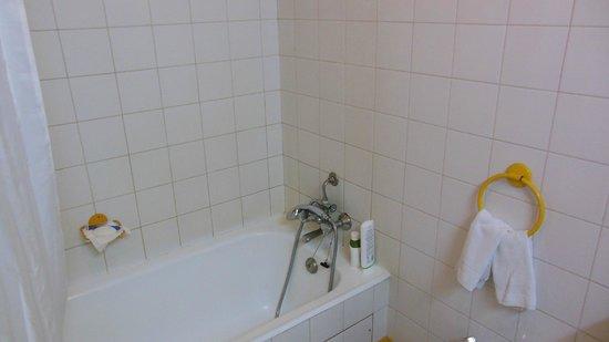 Windsor Hotel: badkamer