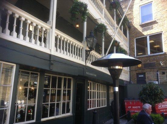 George Inn: getlstd_property_photo