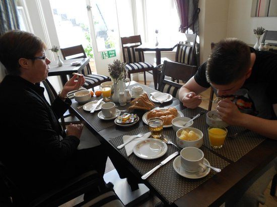 London Lodge Hotel: Versatile breakfast