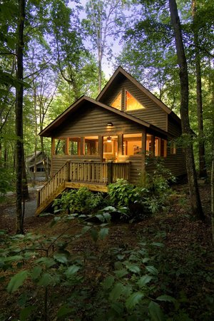 Adventures on the Gorge - Lodging: Deluxe lodging surrounded by nature