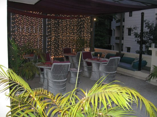 Haveli Hauz Khas: Evening on roof top terrace