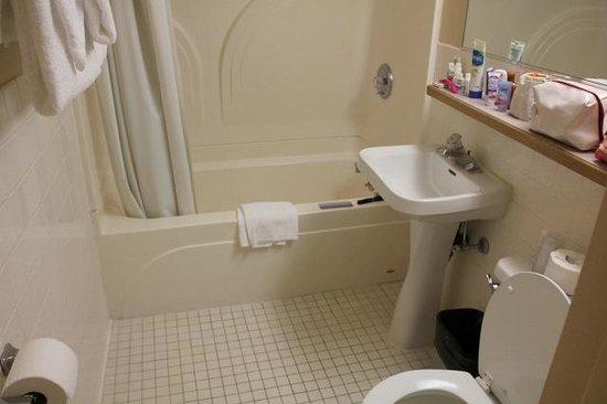 Rocking Horse Ranch Resort: Bathroom at the OKLAHOMA BUILDING