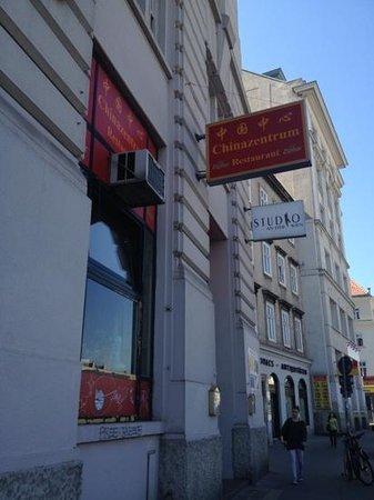 China Zentrum Asia Restaurant: outside