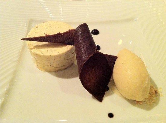 Restaurant Il Cortile : Le dessert au poivre...Miam !!