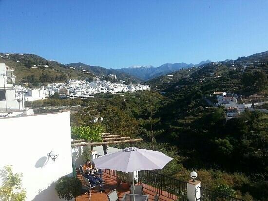 Hotel La Casa: view from the patio