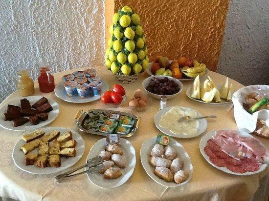 Hotel Costa Azzurra: Breakfast Buffet
