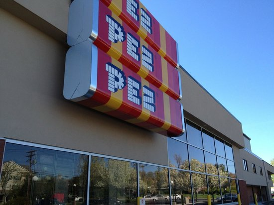 Exterior Pez Visitor Center