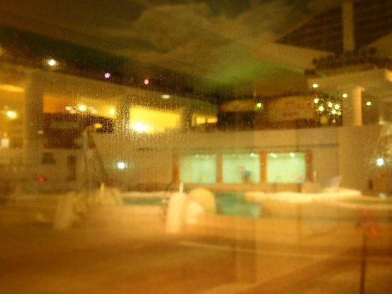 Hakone Kowakien Yunessun: Misty! The indoor Greek onsen