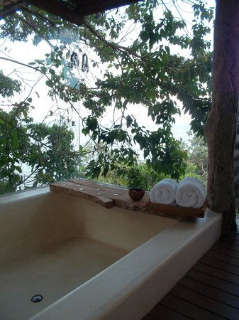 Song Saa Private Island: Bathtub