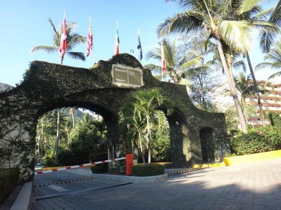 Barcelo Puerto Vallarta: Entrance to the property