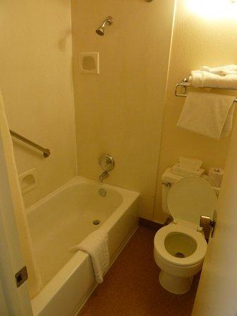 Maswik Lodge: salle de bains
