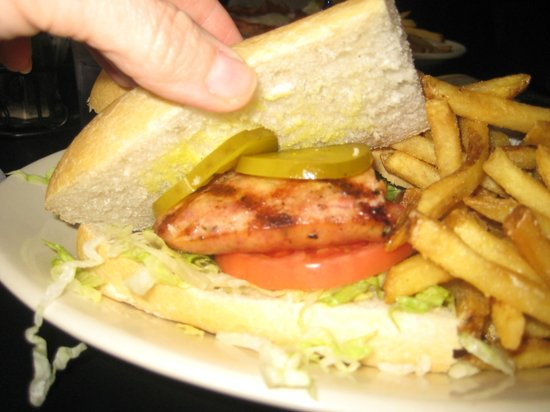 Huck Finn's Cafe: Alligator sausage poboy