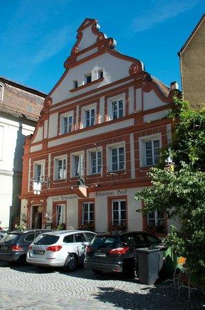 Hotel Schwarzer Bock: Esterno dell'hotel