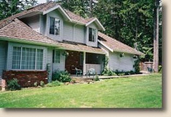 Evergreen Hideaway Bed and Breakfast