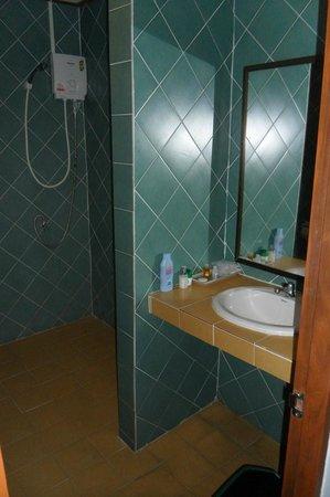 Koh Yao Chukit Dachanan Resort: bathroom