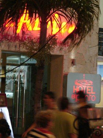 Hotel El Punto: desde afuera