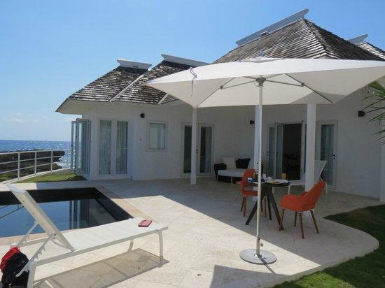 The Trident Hotel : villa 10 Pool deck