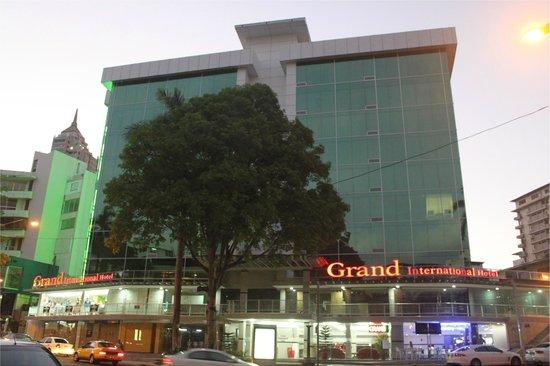 Grand International Hotel: Hotel Exterior