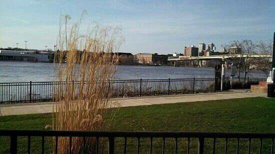 Granite City Food And Brewery: River view from patio.