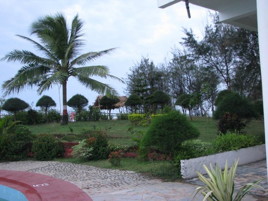 Puri - Golden Sands, A Sterling Holidays Resort: view from the lobby