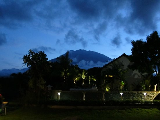 Ocean Sun Dive Resort Tulamben: Blick auf den Gunung Agung (höchste Erhebung Balis)