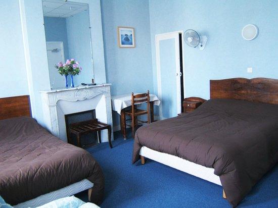 Hotel de provence salon de provence france voir les for Azur hotel salon de provence