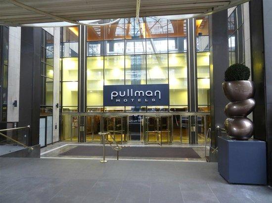 Pullman Paris Montparnasse: Haupteingang