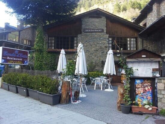 Erts, Andorra: terrassa de borda