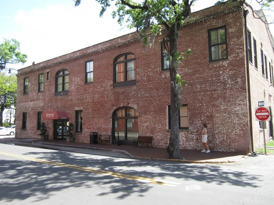Staybridge Suites Savannah Historic District: Hotel
