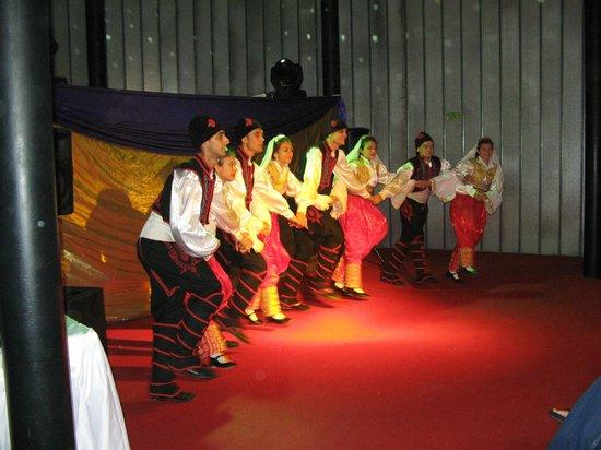 Kervansaray Kundu Hotel: Turkse avond met speciale dansgroep