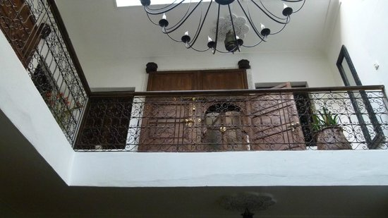 Riad Dar Khmissa Marrakech: Portes de chambres