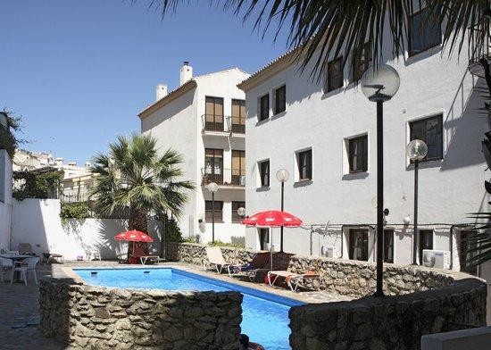 Apartamentos San Pedro: piscina