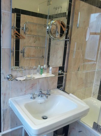 Le Meridien Grand Hotel Nurnberg: bath
