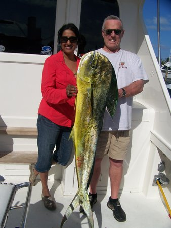 Carolina Gentleman Sportfishing: Mahi Mahi with Dick and Meera Rosser
