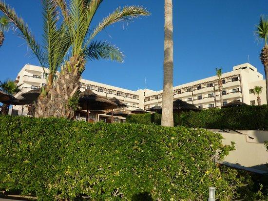 Atlantica Golden Beach Hotel: Hotel from beach area