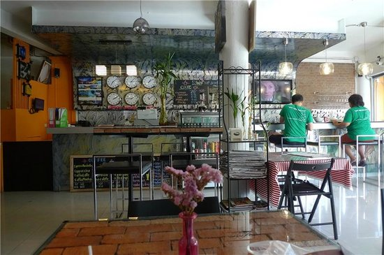 1Yolo Youth Hostel: First floor_information counter and dining room