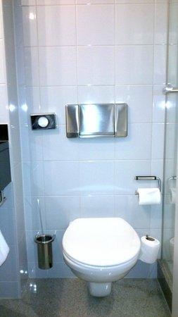 K+K Hotel George: Bathroom